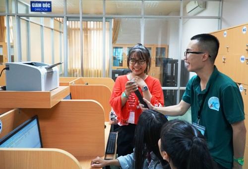 360 học sinh Quảng Ngãi trải nghiệm một ngày làm sinh viên - ảnh 2