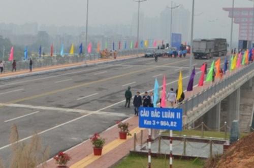 Cầu Bắc Luân II. Ảnh: B.M