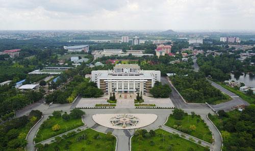 Khu đô thị Đại học Quốc gia TP HCM với trụ sở chính và các trường thành viên. Ảnh: Quỳnh Trần.