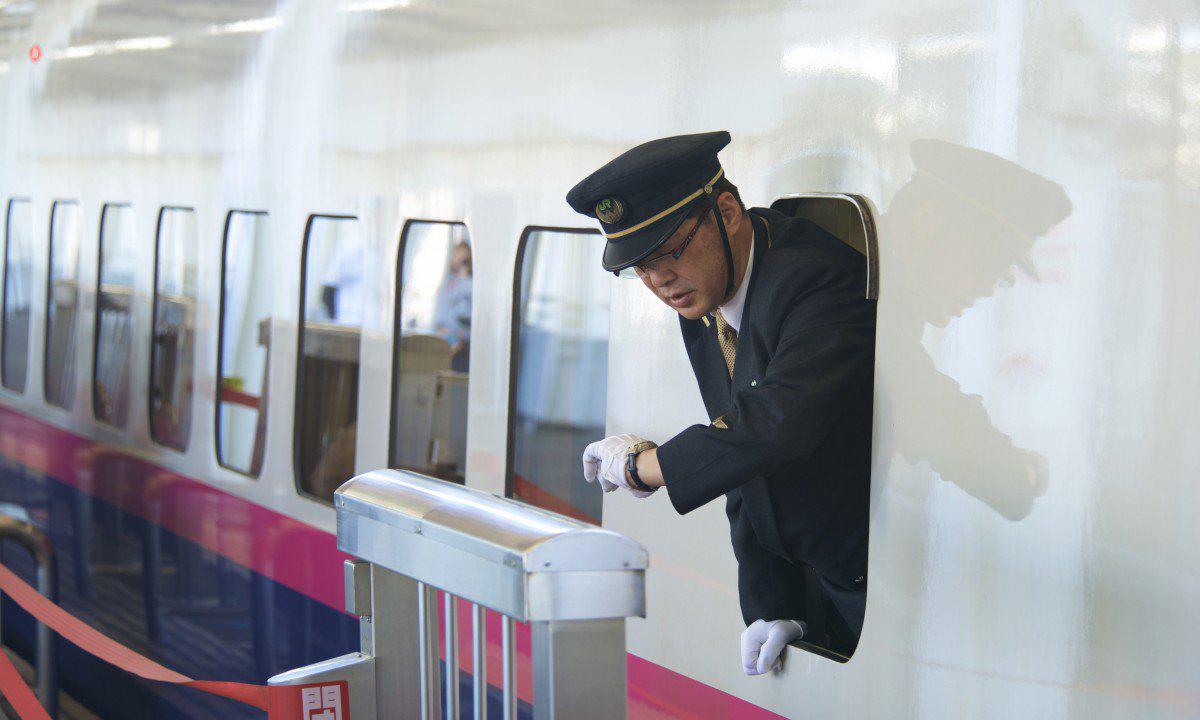 Vì sao người Nhật ám ảnh về việc đúng giờ? -