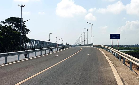 Cầu dài nhất trên Quốc lộ 1 ở miền Trung sắp thông xe -