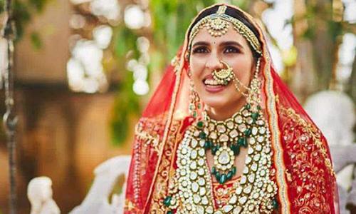 Gia đình tỷ phú giàu nhất châu Á tặng con dâu quà cưới 43 triệu USD -