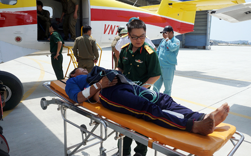 Phi công Hải quân đầu tiên lái thủy phi cơ DHC-6 về Việt Nam - 1