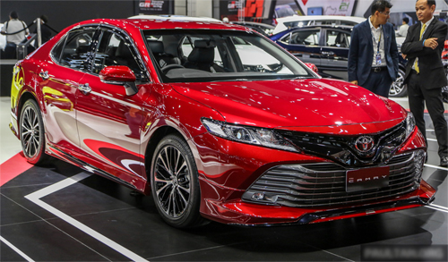 Toyota Camry TRD Sportivo với đủ mọi tùy chọn đang được giới thiệu tại triển lãm ôtô Bangkok. Ảnh: Paultan
