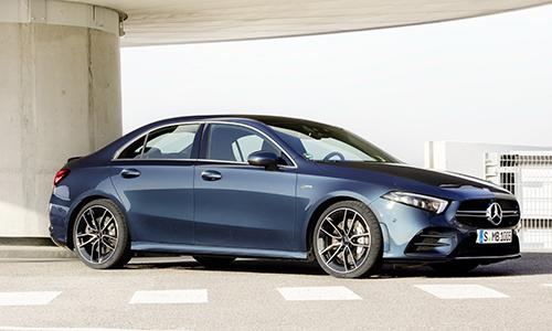 Những hình ảnh đầu tiên của A35 AMG được Mercedes công bố.