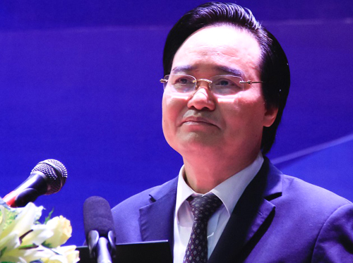 Bộ trường Phùng Xuân Nhạ phát biểu tại tọa đàm hôm 29/3. Ảnh: Dương Tâm