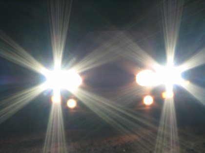Tại sao đèn chiếu gần của SUV cao như đèn pha?
