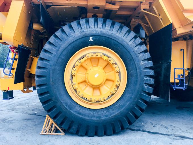 Belaz 75131 - siêu xe tải lớn nhất Việt Nam