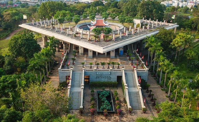Đền tưởng niệm các vua Hùng lớn nhất Nam Bộ ở Sài Gòn