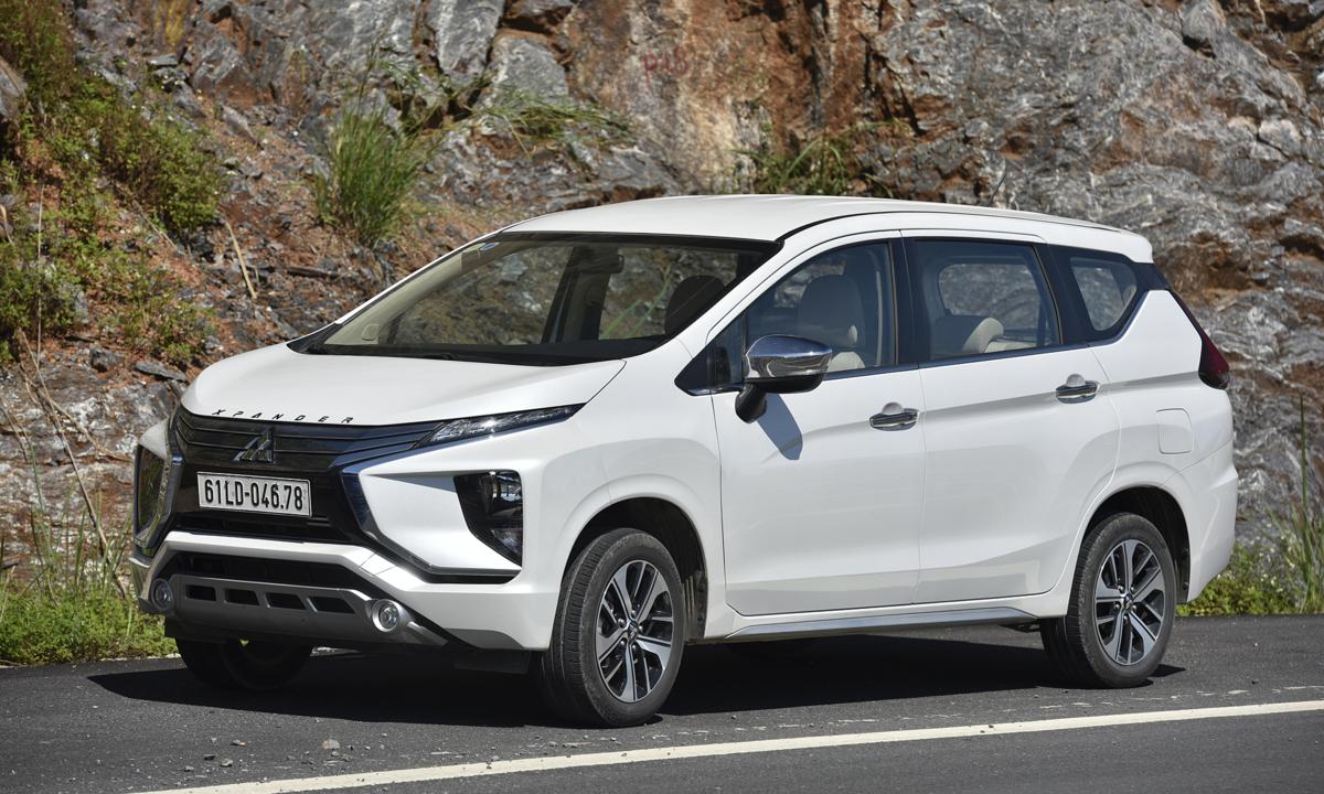 Toyota Rush 'hụt hơi' khi đua doanh số với Xpander