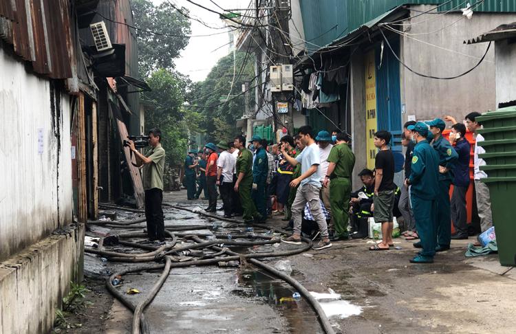 Cháy nhà xưởng ở Hà Nội, 8 người chết - Ảnh 2