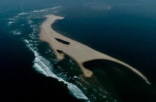Cồn cát trên biển Cửa Đại, Quảng Nam. Ảnh: Minh Hải.