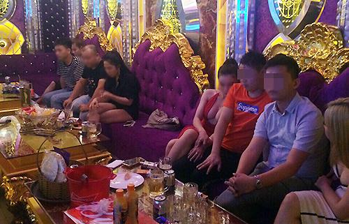 Phúc XO tổ chức sử dụng ma tuý tại karaoke như thế nào - ảnh 3