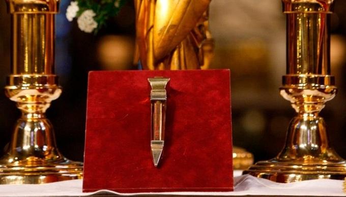 5 1555381301 680x0 - Những báu vật của Nhà thờ Đức Bà Paris