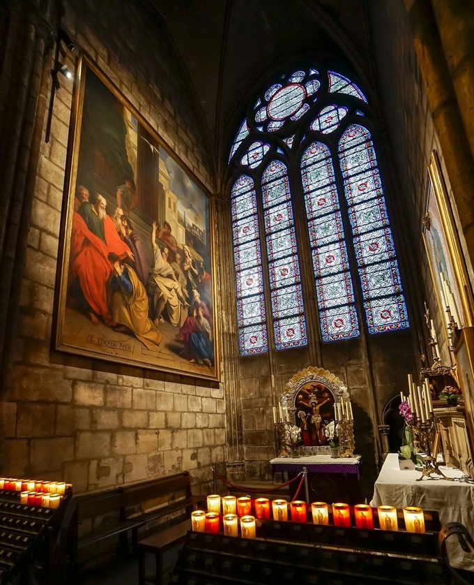 8 1555383163 680x0 - Những báu vật của Nhà thờ Đức Bà Paris