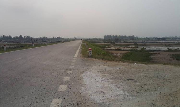Khu vực công an thu giữ 900 kg tang vật nghi ma túy đá tại xã Quỳnh Thuận.