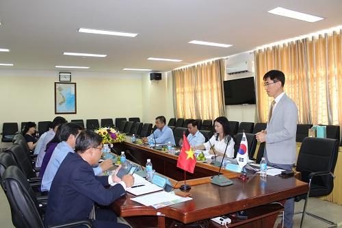 Buổi làm việc giữa Đại học Sư phạm kỹ thuật Vĩnh Long và Đại học Tongmyong (TU) Hàn Quốc.