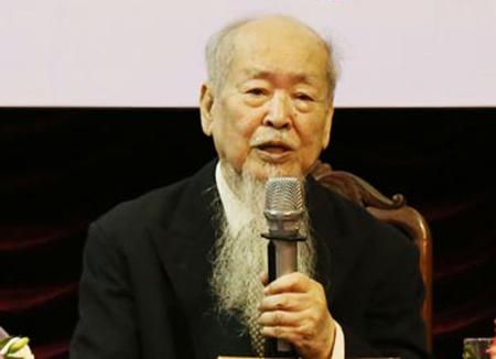 Giáo sư, nhà giáo nhân dân Phan Hữu Dật.