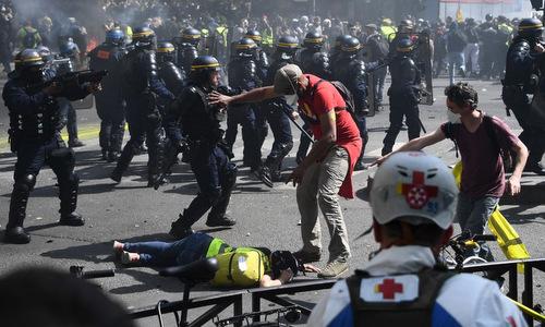 Biểu tình Áo vàng biến thành bạo lực ở Paris, hơn 100 người bị bắt - ảnh 1