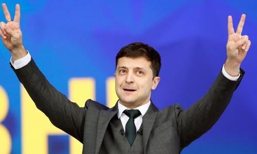Diễn viên hài thắng cử tổng thống Ukraine - ảnh 1