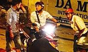 Người đàn ông bị đâm gục sau va quẹt giao thông ở Sài Gòn