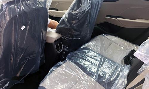Cửa gió điều hoà hàng ghế sau trên Hyundai Accent nâng cấp.