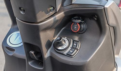 Những điểm nhấn trên xe tay ga thể thao Yamaha FreeGo - 4