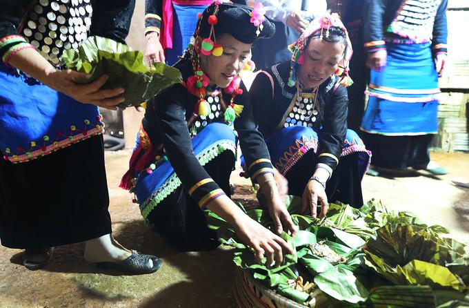 Lễ cúng cơm mới của dân tộc ít người nhất miền Bắc