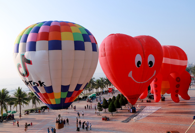 Lần đầu tiên trình diễn khinh khí cầu ở Đà Nẵng