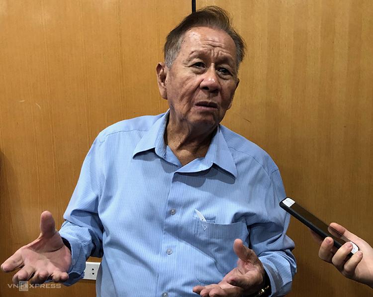 GS.TS Trần Kim Quy nói ông dùng cả sinh mạng để đánh cược sẽ kiếm bộn tiền rừ rác. Ảnh: Bích Ngọc.