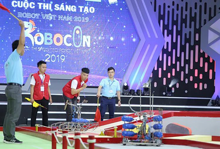 32 đội thi sắp tranh tài tại chung kết cuộc thi Robocon 2019
