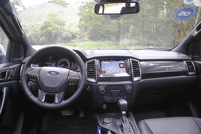 Bảng táp-lô thực dụng, thuận tiện cho người lái thao tác.