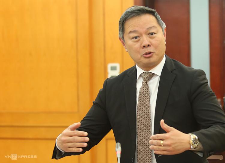 Ông Andrew Ong phát biểu tại tọa đàm. Ảnh: Văn Nguyên.