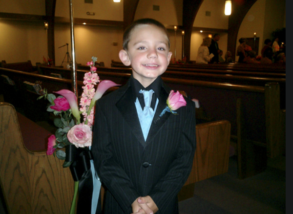 Bé trai trước khi mất tích cùng mẹ.