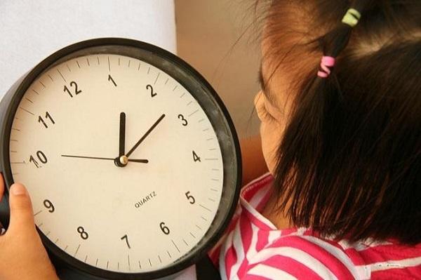 Trẻ cần học cách quản lý thời gian.