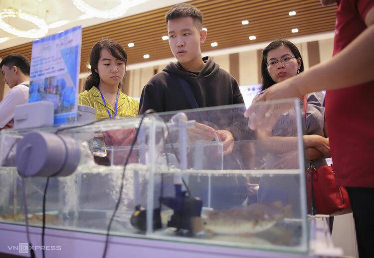 Mô hình khởi nghiệp sáng tạo nuôi tôm thông minh tại Bến Tre. Ảnh: Nguyễn Đông.