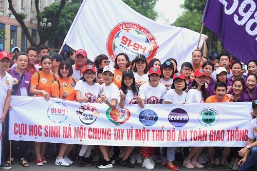 Các niên khóa phổ thông trung học Hà Nội tham gia kêu gọi. Ảnh: Gia Chính