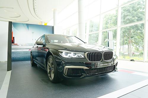 Những công nghệ tạo nên trải nghiệm lái khác biệt của BMW M760Li xDrive