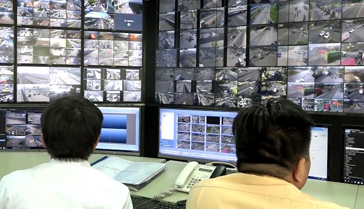 Trung tâm điều hành ĐTTM tại trụ sở UBND TP HCM. Ảnh: L.T