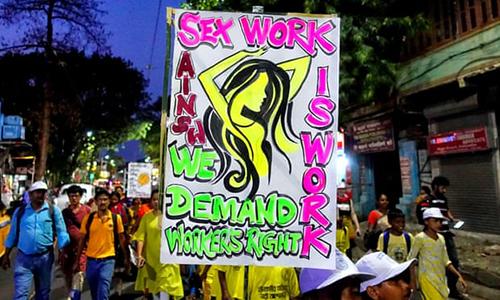 Gái mại dâm Ấn Độ đấu tranh đòi tiền trợ cấp và chăm sóc y tế - ảnh 1