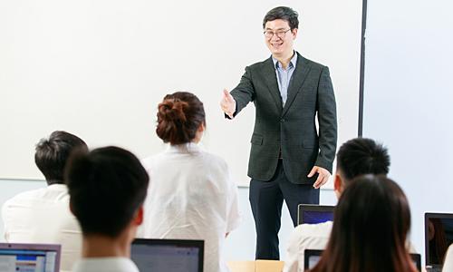 Viện AI Academy Vietnam đào tạo AI gắn liền với doanh nghiệp