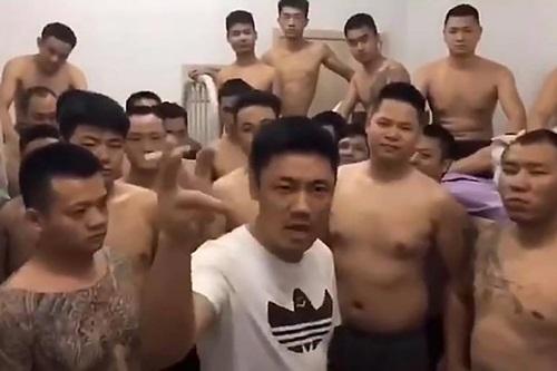 Nhóm thanh niên xÆ°ng là bÄng Äảng trong Äoạn video Äược quay á» Campuchia há»i tháng ba. Ảnh: SCMP.