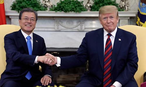 Trump sắp thăm Hàn Quốc để bàn về phi hạt nhân hóa Triều Tiên - ảnh 1