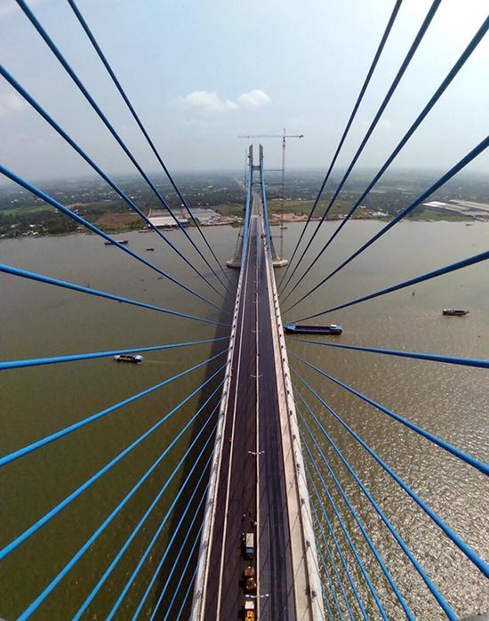 Cầu Vàm Cống bắc qua sông Hậu trước ngày thông xe