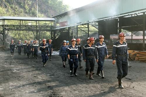 Khai trường Công ty than Hạ Long nằm trên địa bàn thành phố Cẩm Phả (Quảng Ninh). Ảnh: Cao Quỳnh