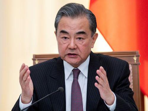 Ngoại trưởng Trung Quốc Vương Nghị phát biểu tại Sochi, Nga hôm 13/5. Ảnh: Reuters