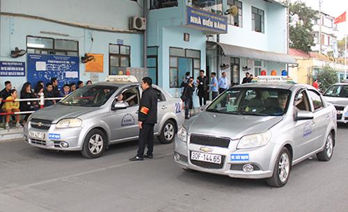 Thi lấy bằng lái xetại một trung tâm sát hạch ởSài Đồng (Hà Nội). Ảnh: Anh Duy.