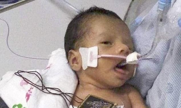 Gia đình bé trai bị cướp khỏi bụng mẹ ở Mỹ cầu mong ''phép màu'' -