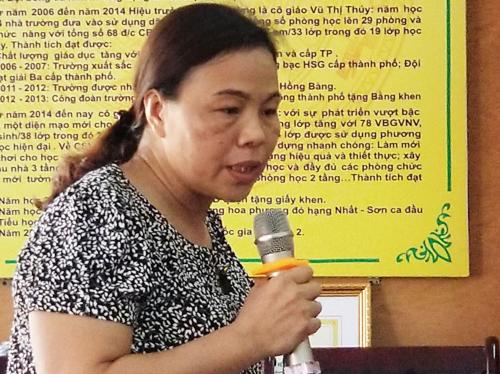 Cô giáo chủ nhiệm bị khiển trách vì đánh học sinh trong giờ thi -