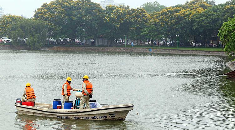 Công ty Thoát nước Hà Nội: Chế phẩm Redoxy hiệu quả tốt - ảnh 1